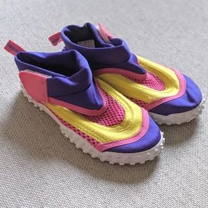 Kidgets Water Shoes Size 9
